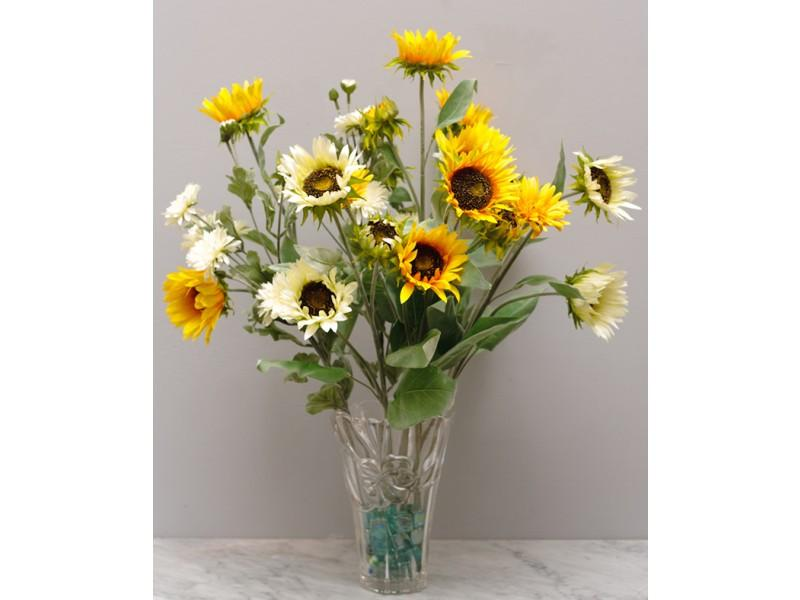 Flowers, Sunflower Delight. Fresh and Sunny a beautiful reminder of summer with a mix of Mums, Gerbe