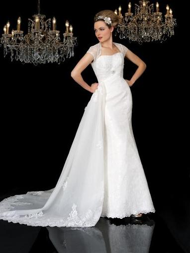 Bridal Dresses, Pippa wedding dress. This full lace dress comes with a organza French lace applique