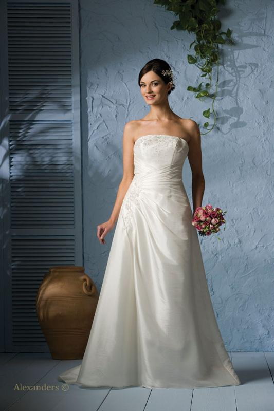 Bridal Dresses, Babe wedding dress (Classics collection).
