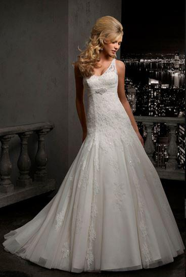 Bridal Dresses, MGNY wedding dress (Ref. 37031).
