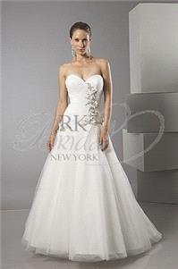 https://www.idealgown.com/en/alfred-sung-bridal/2083-alfred-sung-bridal-spring-2012-style-6881.html