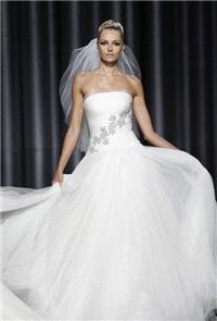 https://www.retroic.com/pronovias/11481-pronovias-fall-2012-strapless-organza-a-line-wedding-dress-w