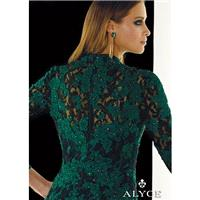 https://www.promsome.com/en/alyce-paris/1739-claudine-for-alyce-2390-lace-high-neck-dress.html