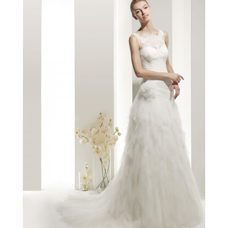 My Stuff, Honorable A-line Straps Lace Hand Made Flowers Sweep/Brush Train Tulle Wedding Dresses - D
