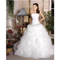 Simple Ball Gown Strapless Ruching Sweep/Brush Train Organza Wedding Dresses - Dressesular.com