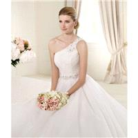 Charming A-line One Shoulder  Beading  Ruching Hand Made Flowers Sweep/Brush Train Tulle Wedding Dre