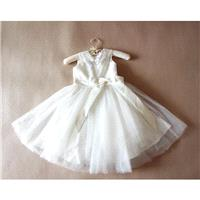 Floor-length Ivory Flower Girl Dress Lace Flower Girls Dress Baby Girl Dresses Lace Tulle Dress With